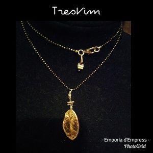 New Tres Vim Vintage gold plated leaf necklace